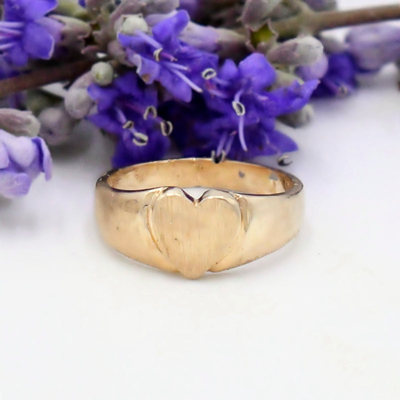 14k Yellow Gold Estate Letter/Initial Heart Ring Size 2.5