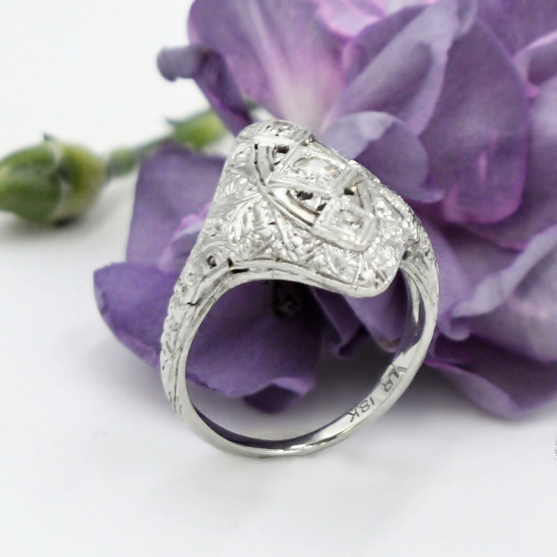 18k White Gold Deco Style Filigree Diamond .14 tcw Ring Size 5.75