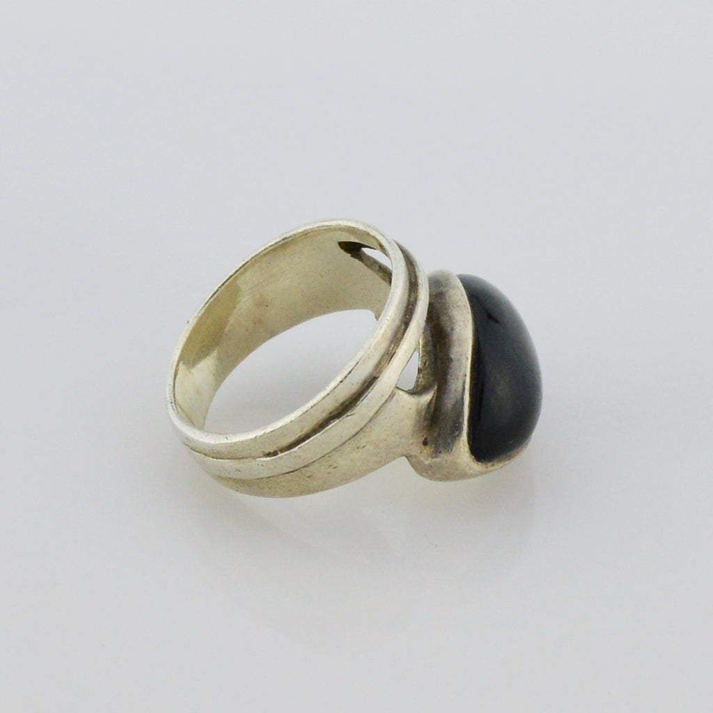 Sterling Silver 925 Mid Century Modern Onyx Gemstone Ring Size 6.5