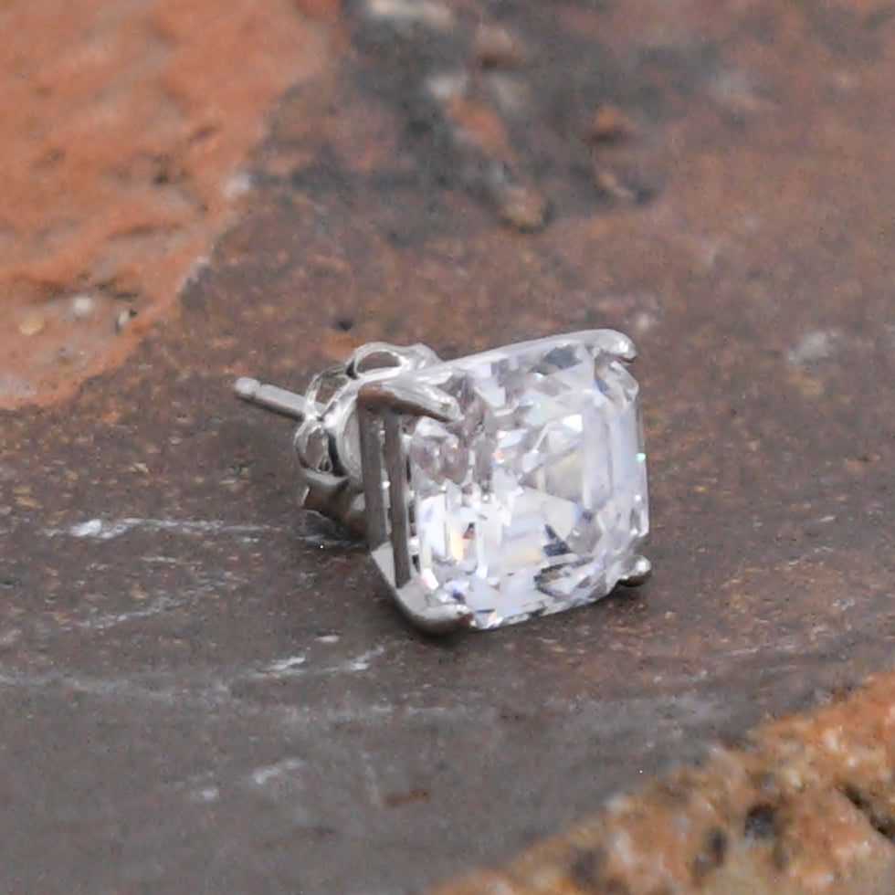 14k White Gold Estate CZ Gemstone Post Single Earring