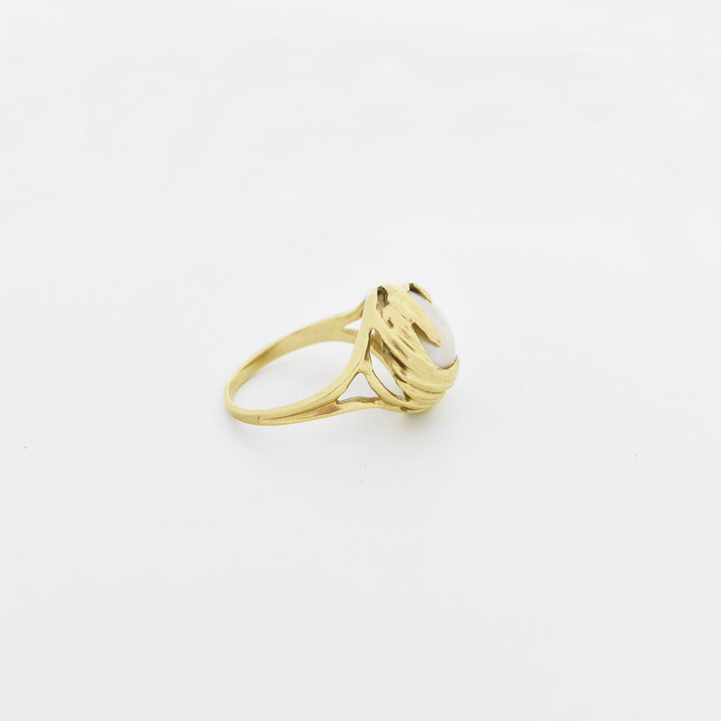 10k Yellow Gold Estate Swirl Mabel Pearl Ring Size 7