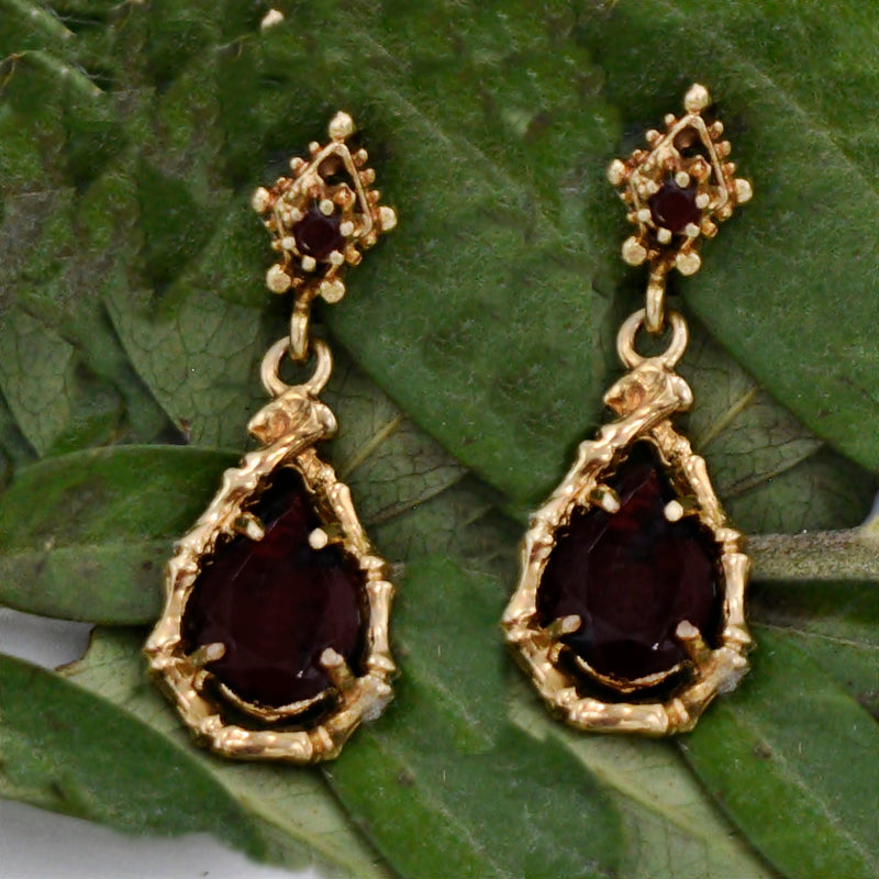 14k Yellow Gold Estate Garnet Dangle Teardrop/Pear Post Earrings
