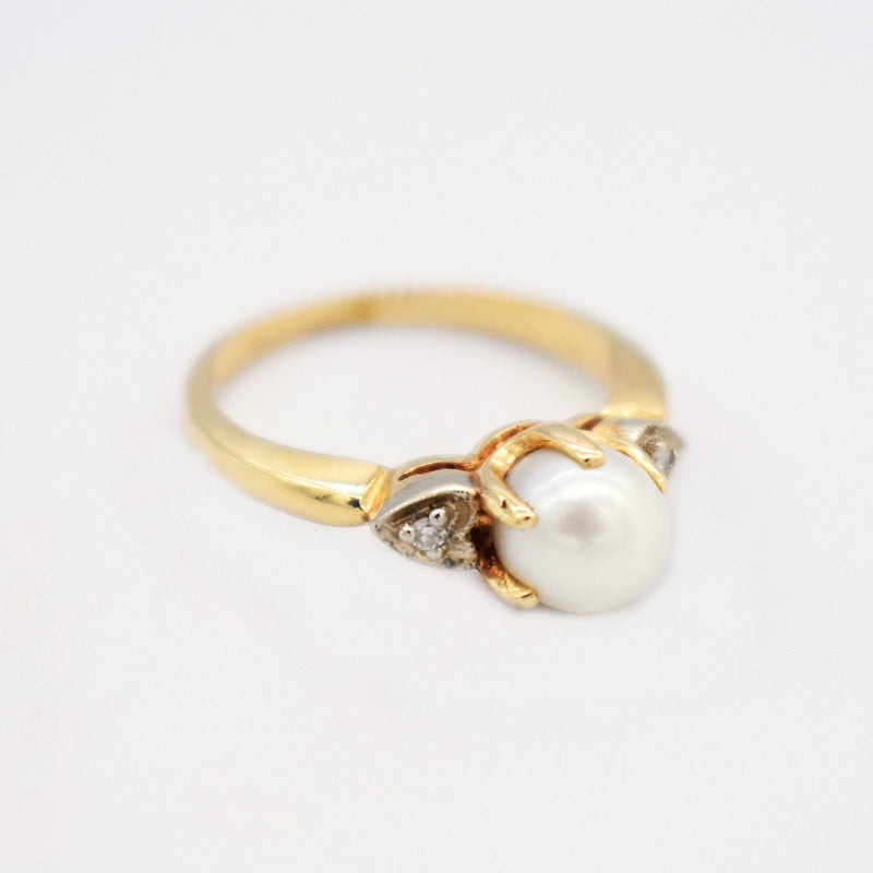 14k Yellow Gold Vintage Pearl & Diamond 0.02 tcw Tier Ring Size 4.25