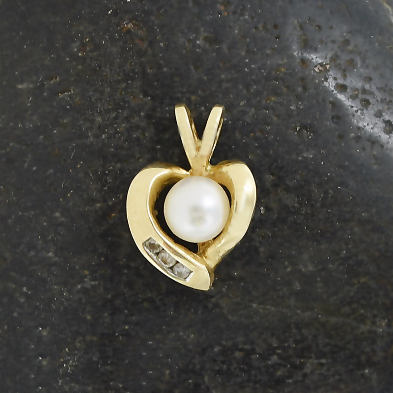 10k Yellow Gold Estate Diamond & Pearl Heart Pendant