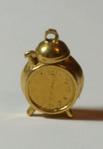 9k/9ct Yellow Gold Alice In Wonderland Alarm Clock Charm