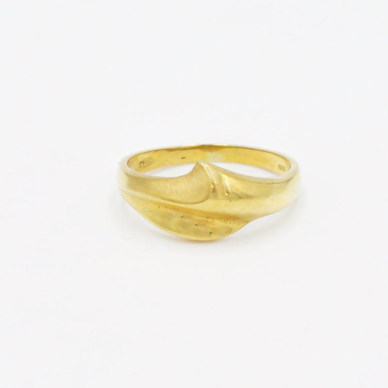 18k Yellow Gold Mid Century Modern Swirl Design Ring Size 8.75
