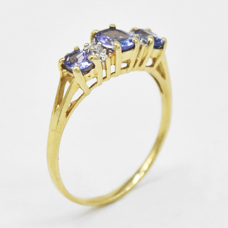 10k Yellow Gold Estate Tanzanite & Diamond Band/Ring Size 6.75