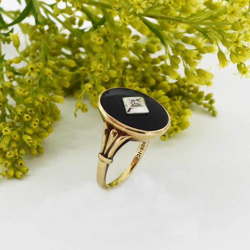 10k Yellow Gold Antique Black Onyx Diamond Ring Size 7.5