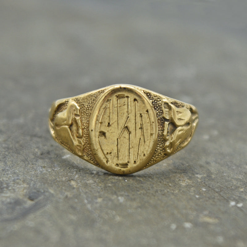 10k Yellow Gold Vintage Flower Motif Initial Ring Size 4