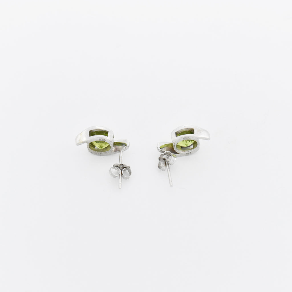 14k White Gold Estate Modernist Swirl Peridot Post Earrings
