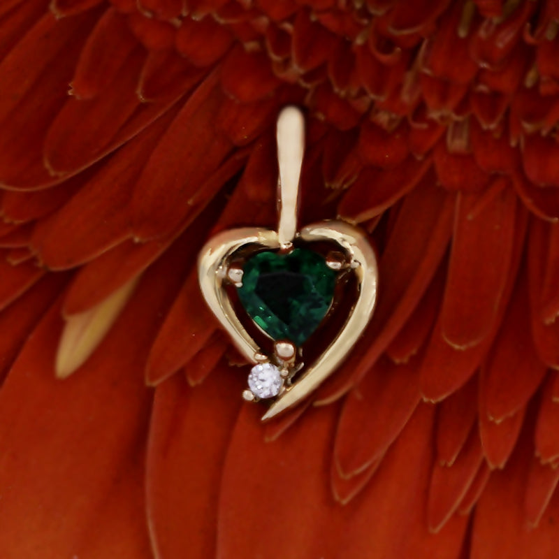 10k Yellow Gold Estate Emerald & White Gemstone Heart/Love Pendant