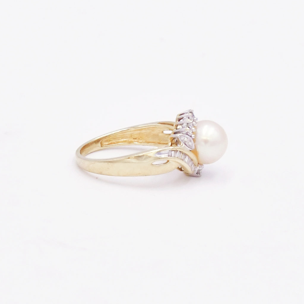 10k Yellow Gold Estate Swirl Diamond & Pearl Ring Size 7