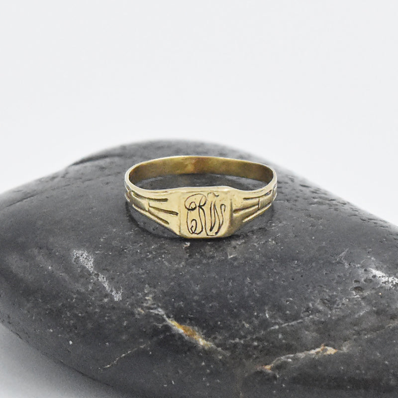 10k Yellow Gold Antique Child's Initial RW Ring Size 2.5