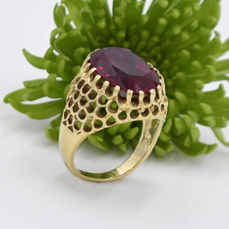 18k Yellow Gold Vintage Open Work Large Ruby Cocktail Ring Size 7.75