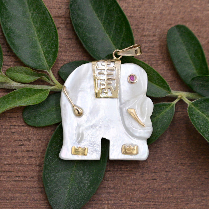 14k YG Estate Mother Of Pearl Pink Amethyst Eye Elephant Pendant