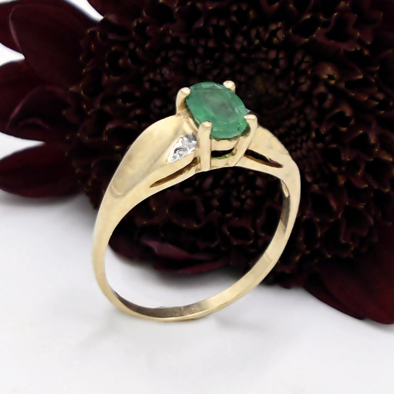 10k Yellow Gold Estate Oval Emerald & Diamond Ring Size 6.5