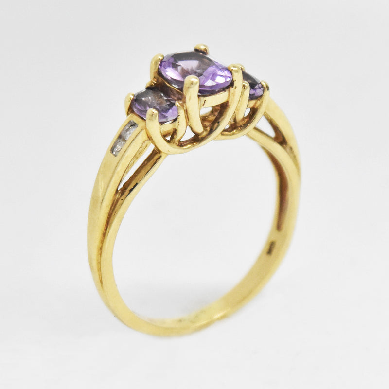 10k Yellow Gold Estate Amethyst & Diamond Ring Size 6.75