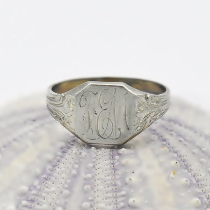 10k White Gold Vintage Initial/Letter Signet Ring Size 3.75