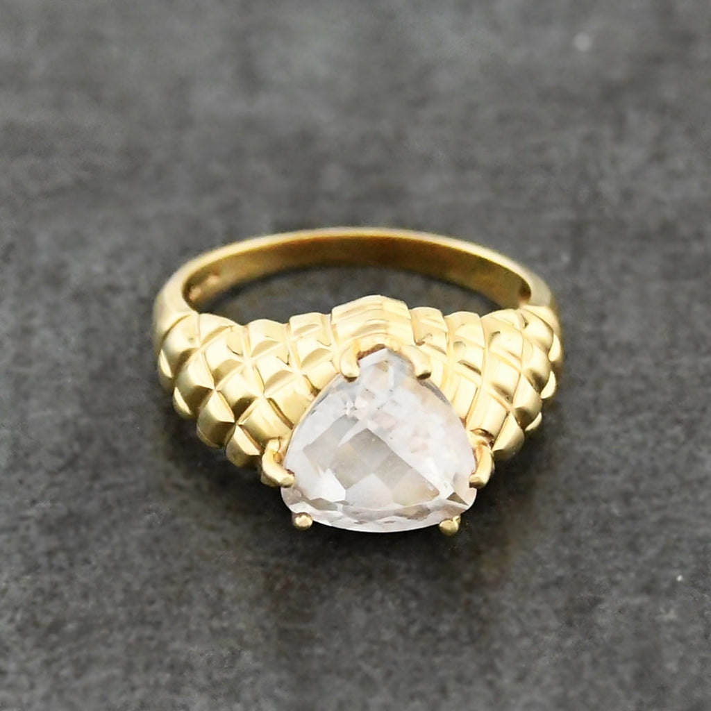 10k Yellow Gold Estate Textured White Quartz Solitaire Ring Size 8