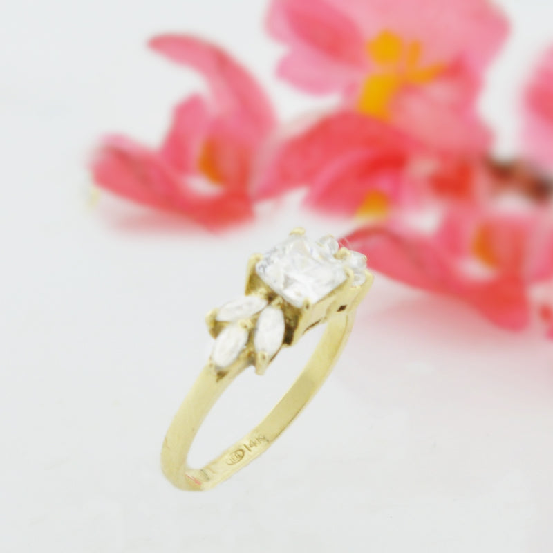 14k Yellow Gold Estate White Quartz Ring Size 6