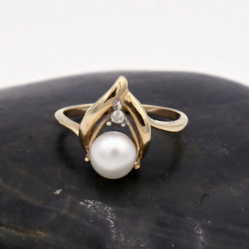 14k Yellow Gold Vintage Wish Bone Pearl & Diamond Ring Size 5