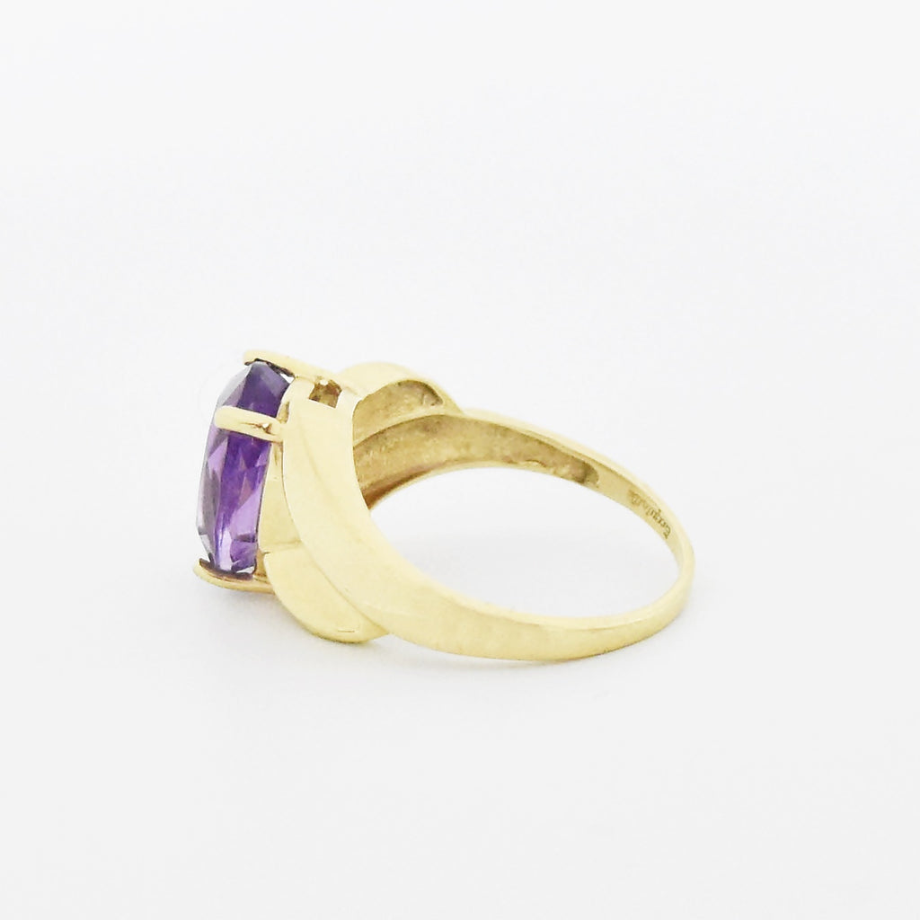 10k Yellow Gold Estate Swirl Oval Amethyst Ring Size 6.75