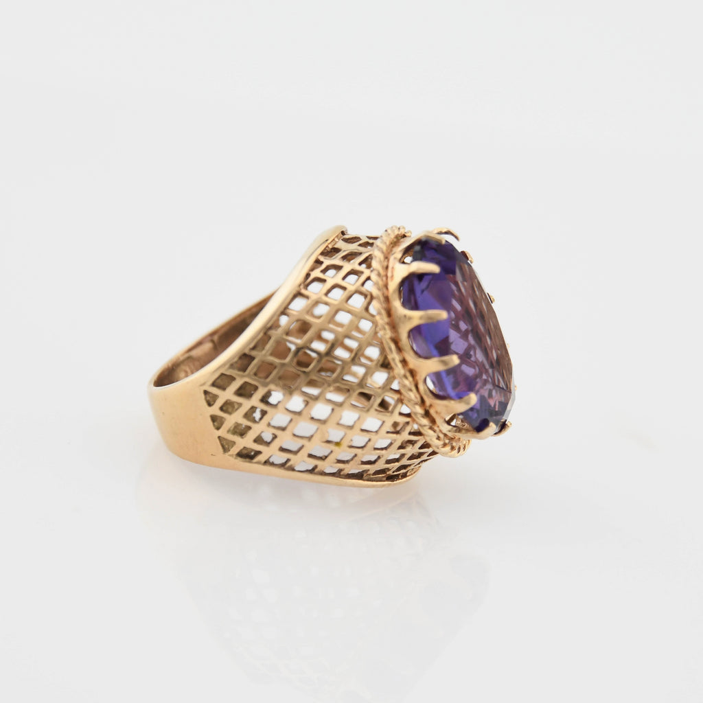 14k Yellow Gold Vintage Lrg Purple Sapphire Lattice Work Ring Size 8.5