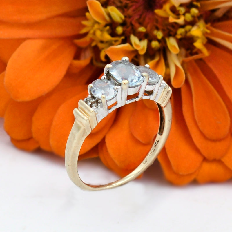 10k Yellow & White Gold Estate 3 Stone Aquamarine & Diamond Ring Size 7.5