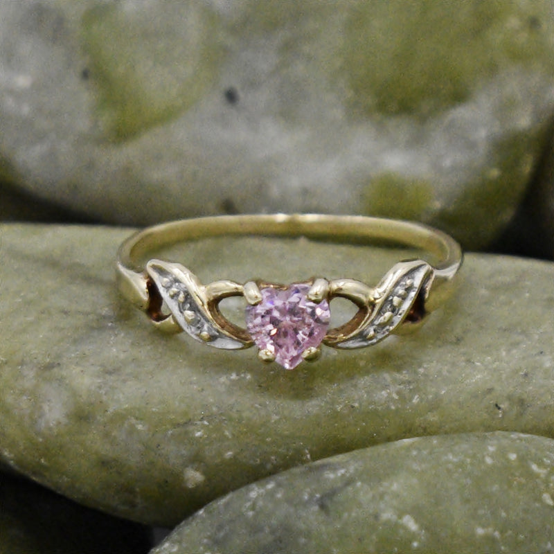 10k Yellow Gold Estate Pink Quartz & Diamond Heart/Love Ring Size 5.25
