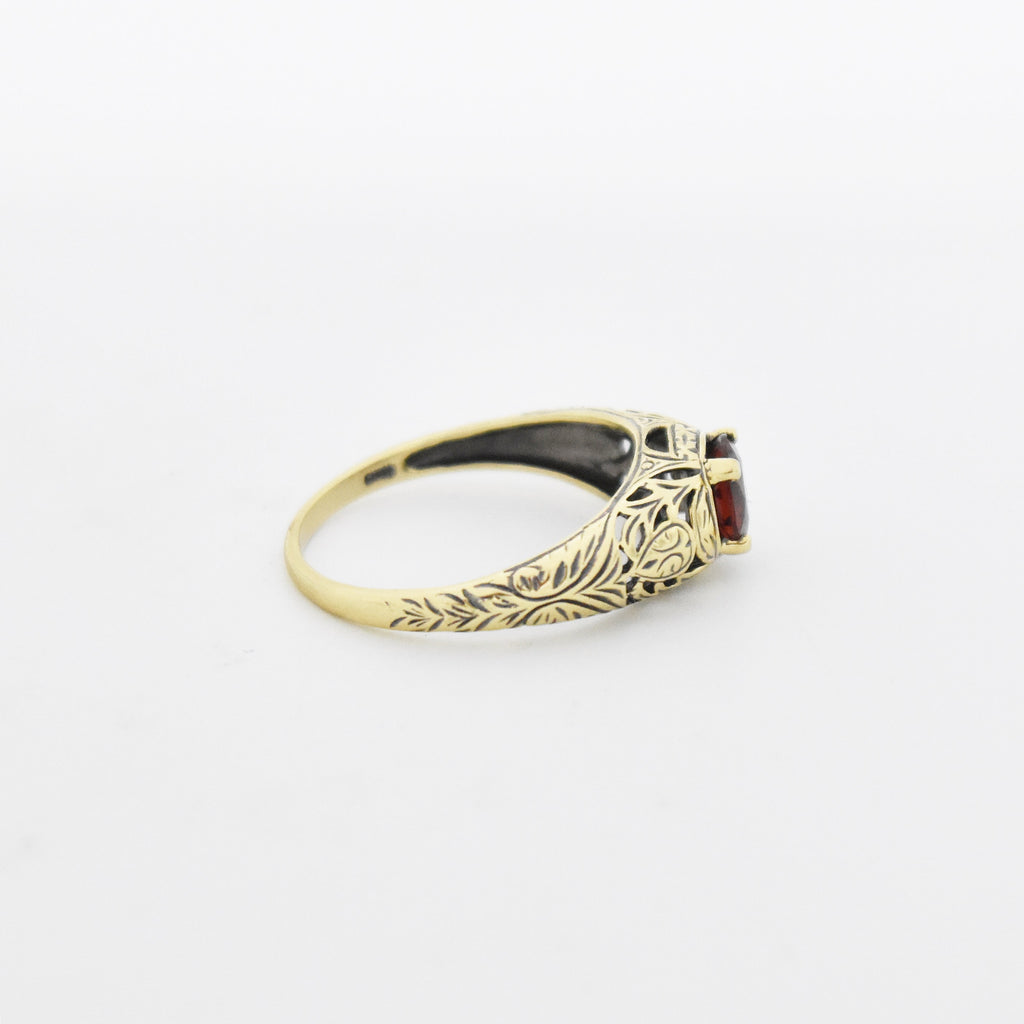 14k Yellow Gold Estate Filigree Garnet Ring Size 8.25