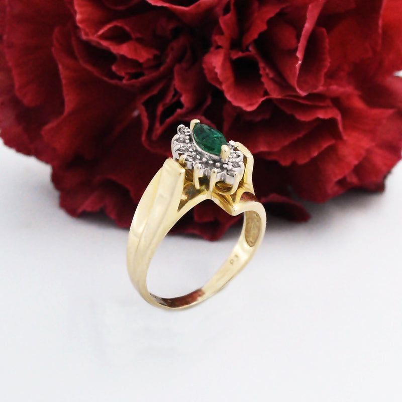 14k Yellow Gold Estate Swirl Emerald & Diamond Ring Size 6.5