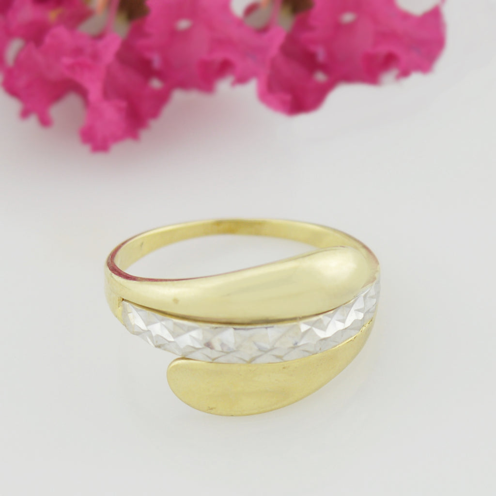 10k Yellow & White Gold Diamond Cut Ring Size 8.5