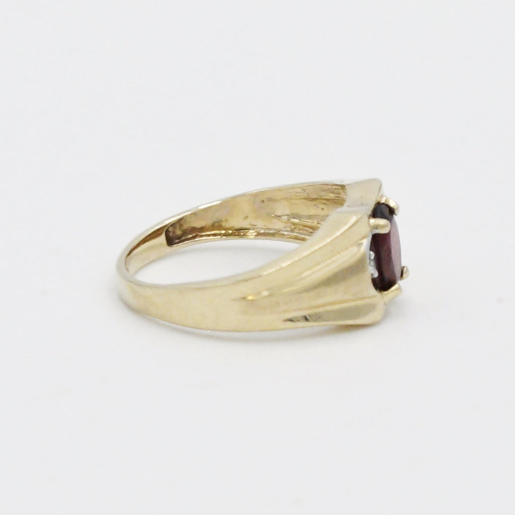 10k Yellow Gold Estate Textured Garnet & Diamond Ring Size 7.5