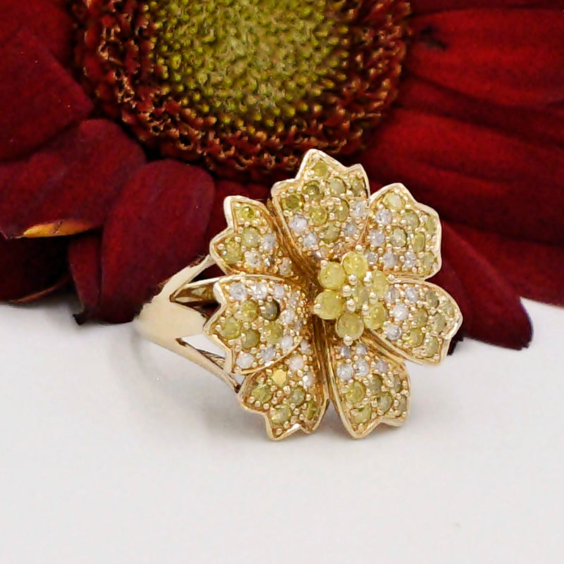 14k YG White & Yellow Diamond .98 tcw Flower Cocktail Ring Size 7