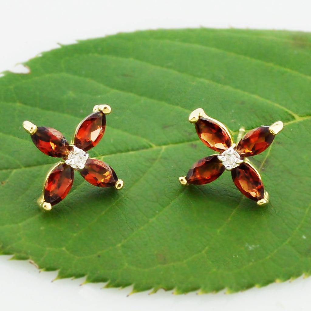 14k Yellow Gold Estate Garnet & Diamond Flower Post Earrings