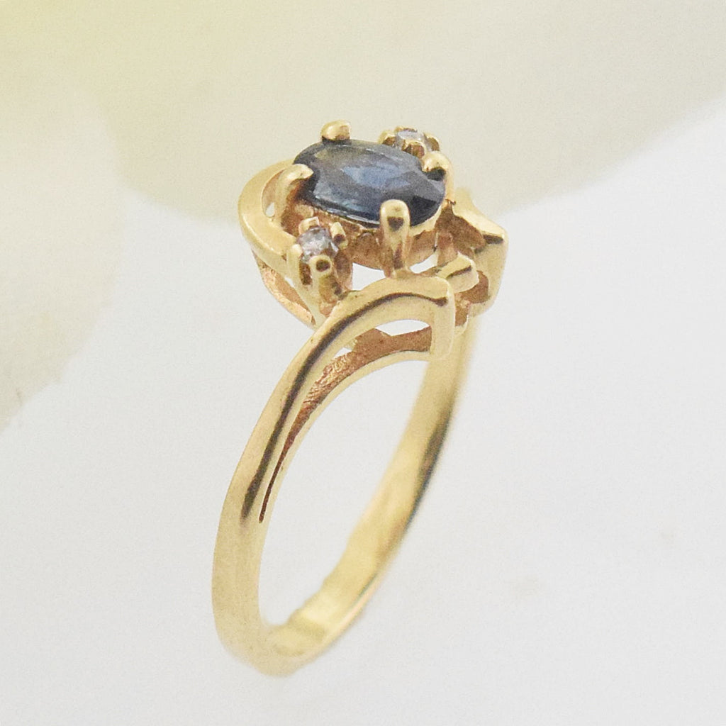 14k YG Swirl Blue Topaz & Diamond 0.02 tcw Ring Size 2.25