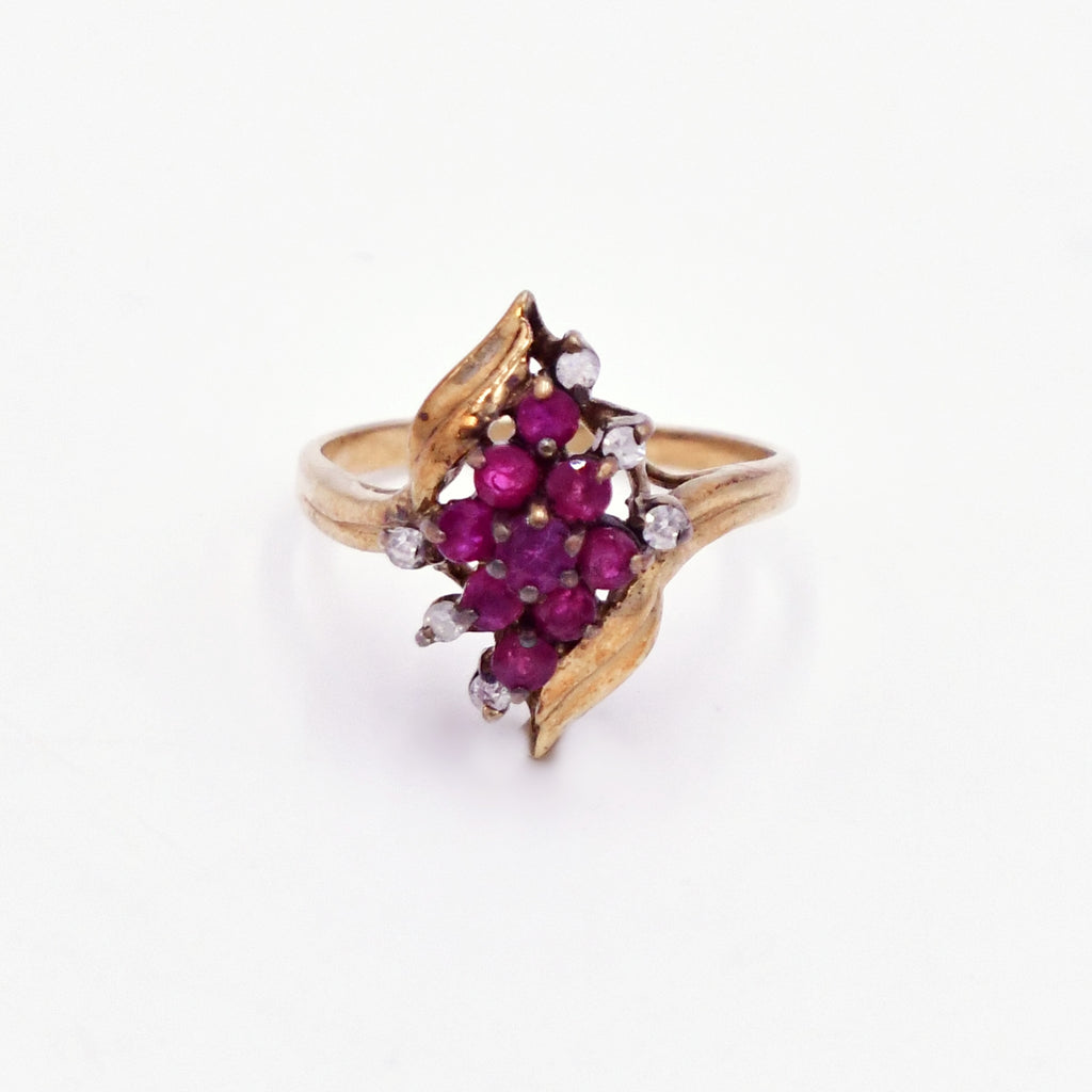 10k Yellow Gold Estate Swirl Ruby & Diamond Cocktail Ring Size 6