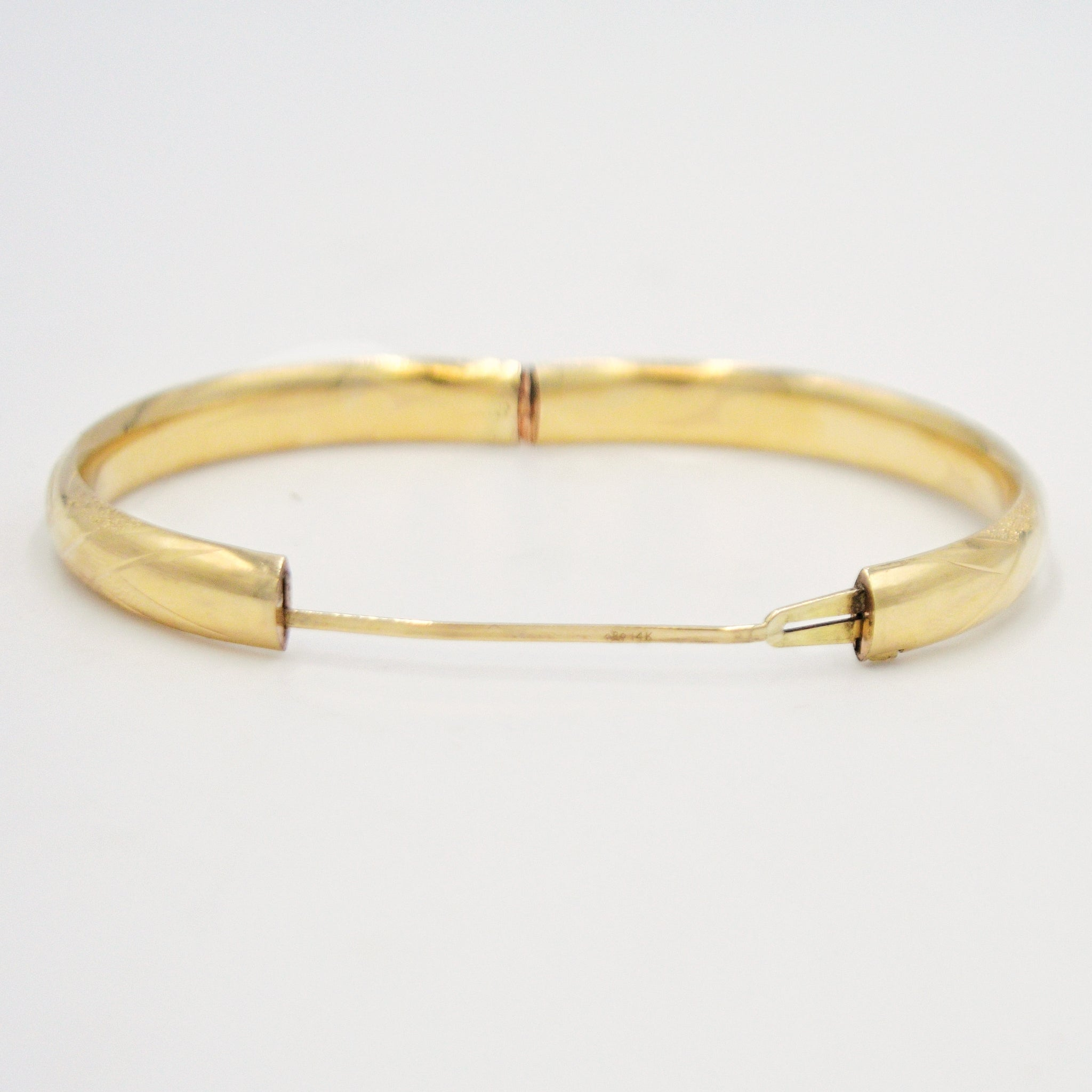 14k Yellow Gold Designer Bailey Banks Biddle Hinged Bangle Bracelet Jewelry Is Me