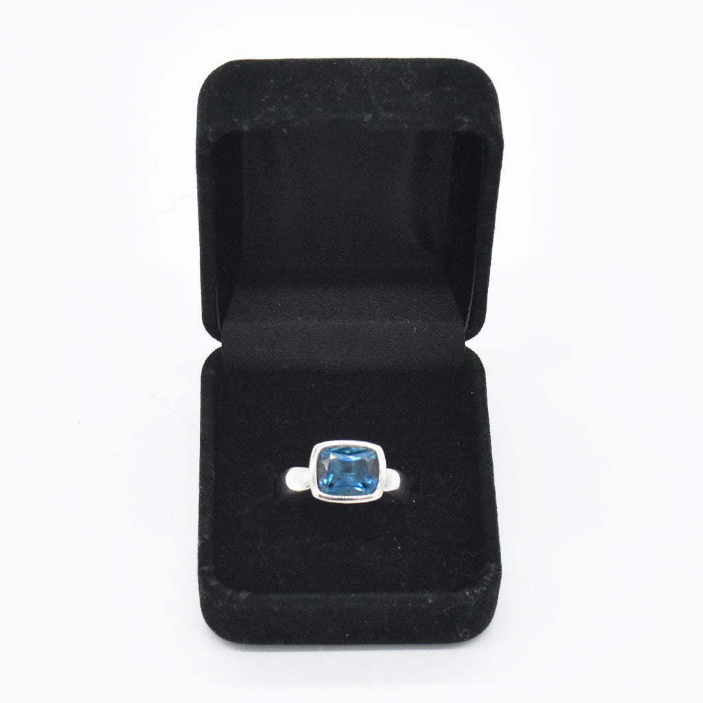 Sterling Silver 925 Estate Cushion Cut Blue Topaz Ring Size 9