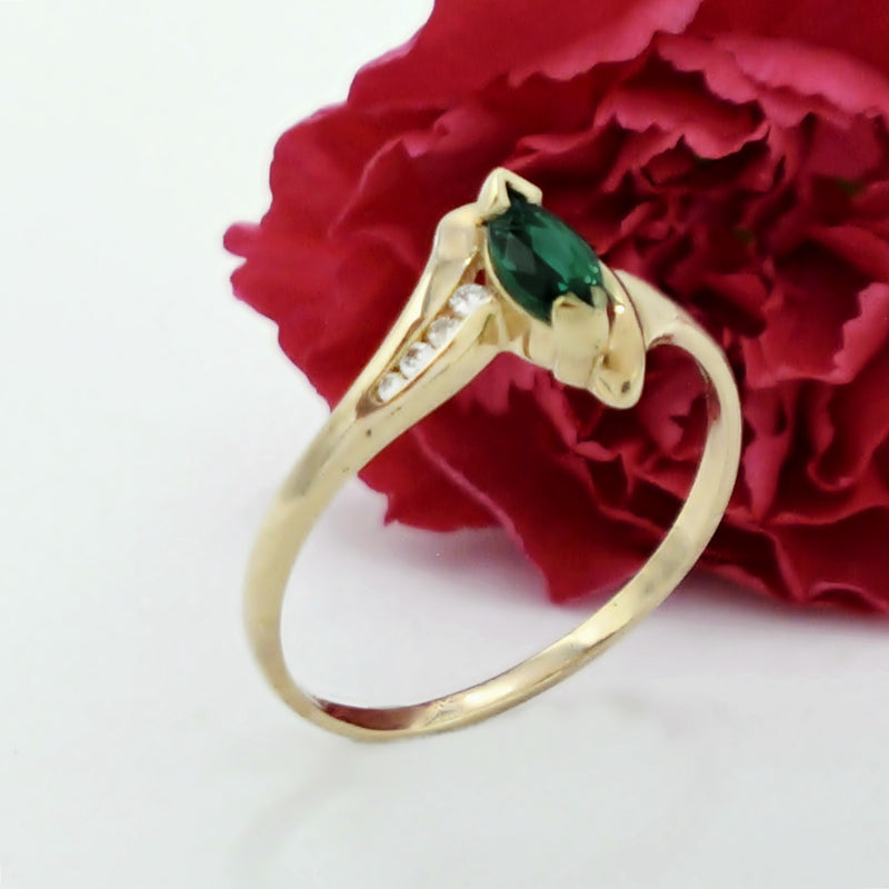14k Yellow Gold Estate Swirl Emerald & Diamond Ring Size 12