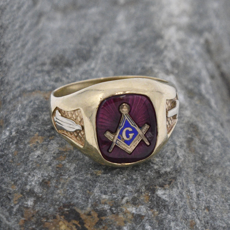 10k Yellow Gold Antique Ruby Masonic/Freemason Ring Size 9