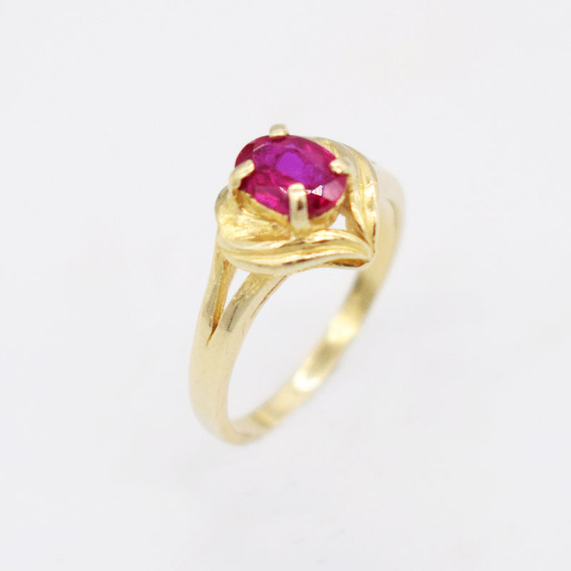 14k Yellow Gold Oval Heart Ruby Ring Size 6.5