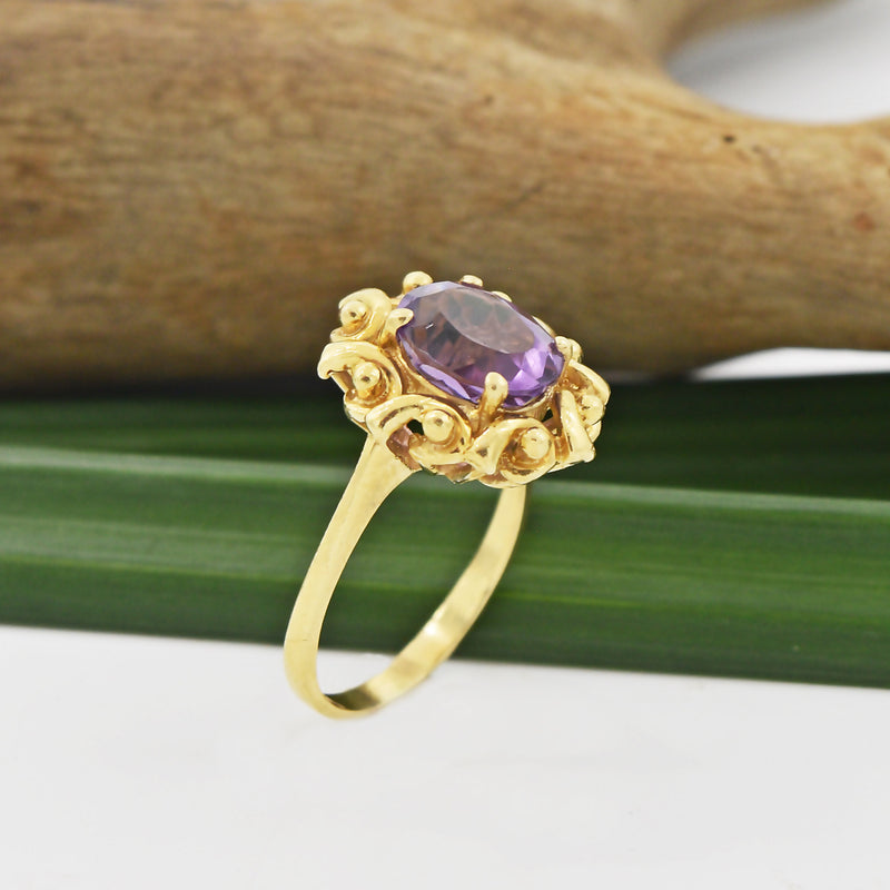 14k Yellow Gold Estate Swirl Ball Design Oval Amethyst Ring Size 8