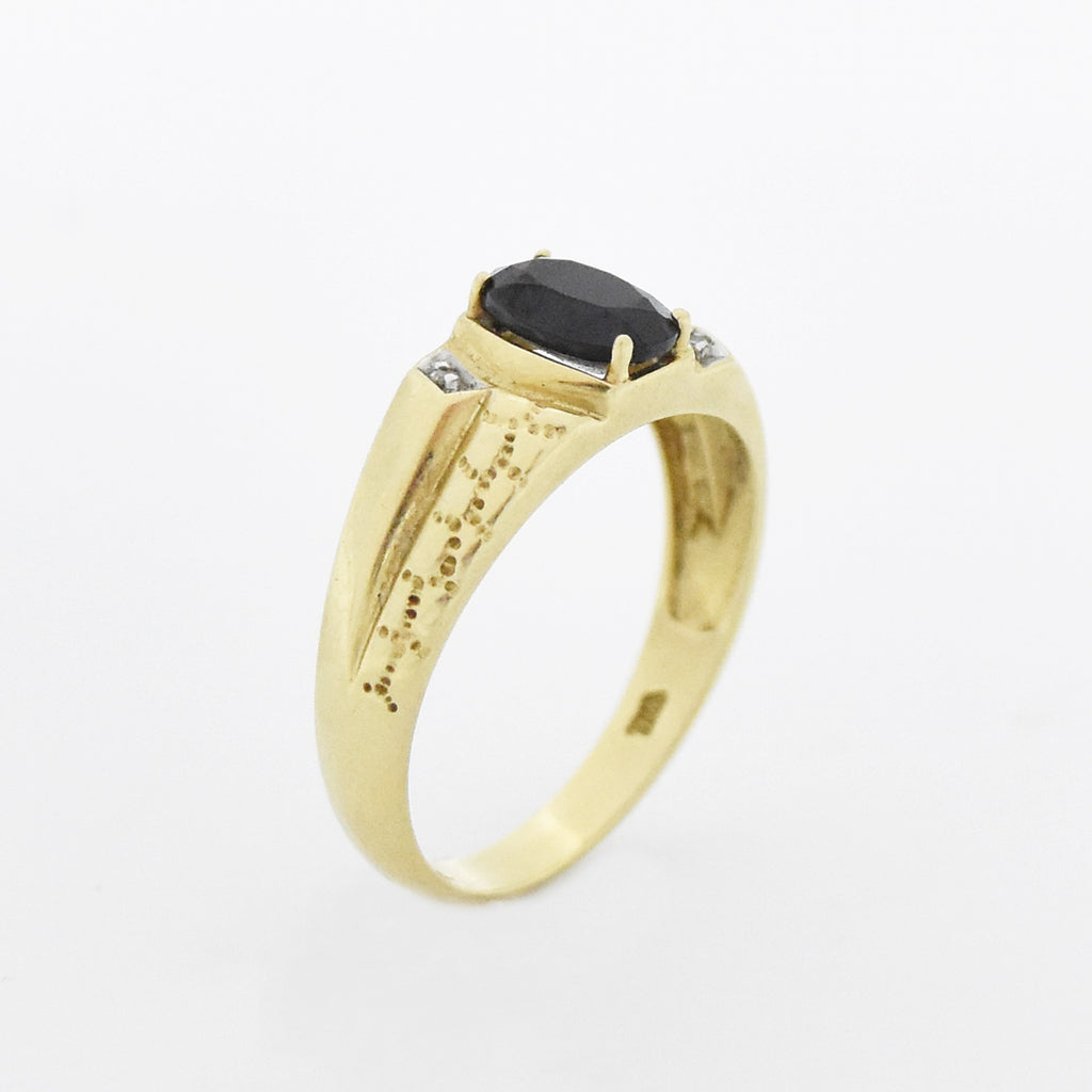 10k Yellow Gold Vintage Textured Black Jet & Diamond Ring Size 11