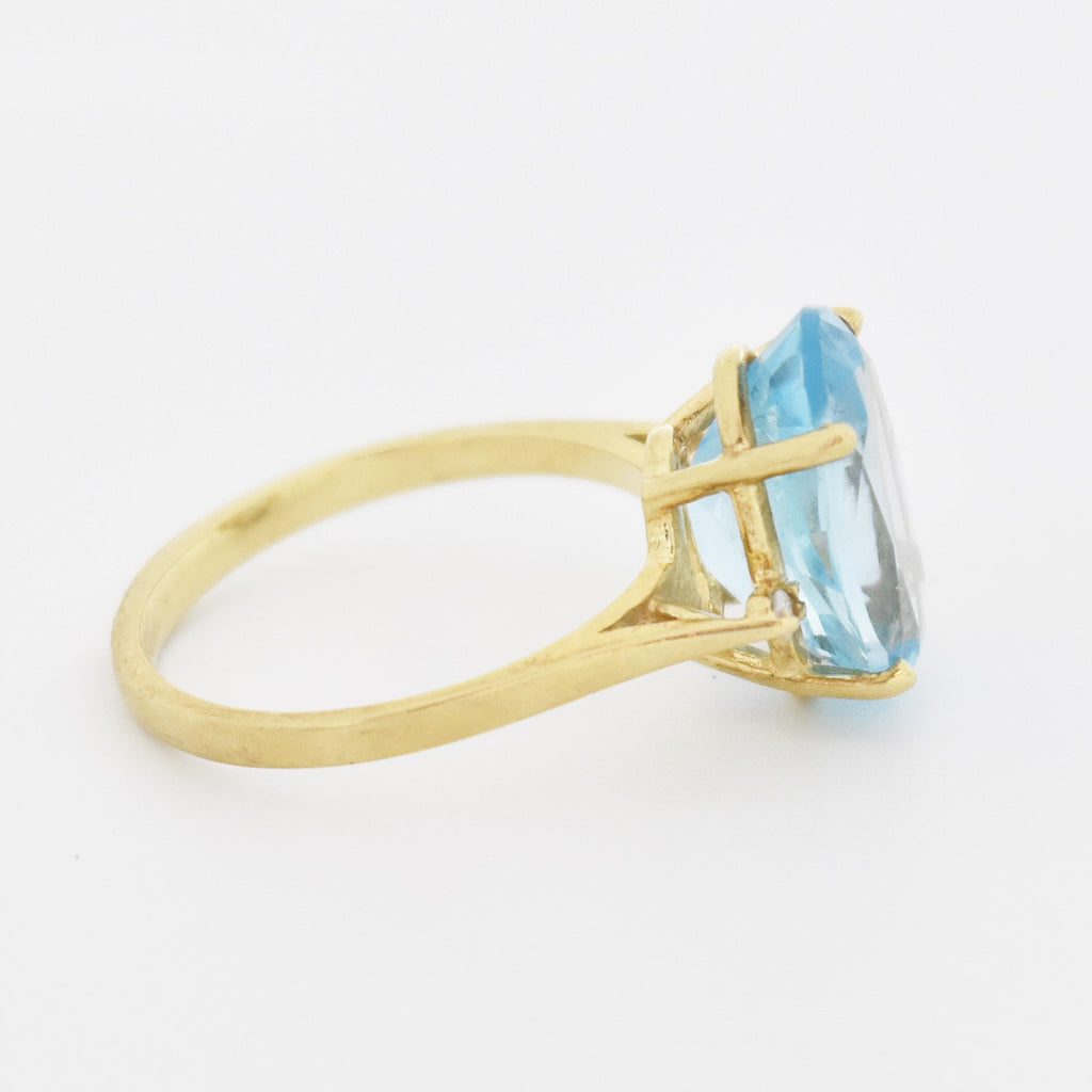 10k Yellow Gold Estate Oval Blue Topaz & Diamond Ring Size 7.25