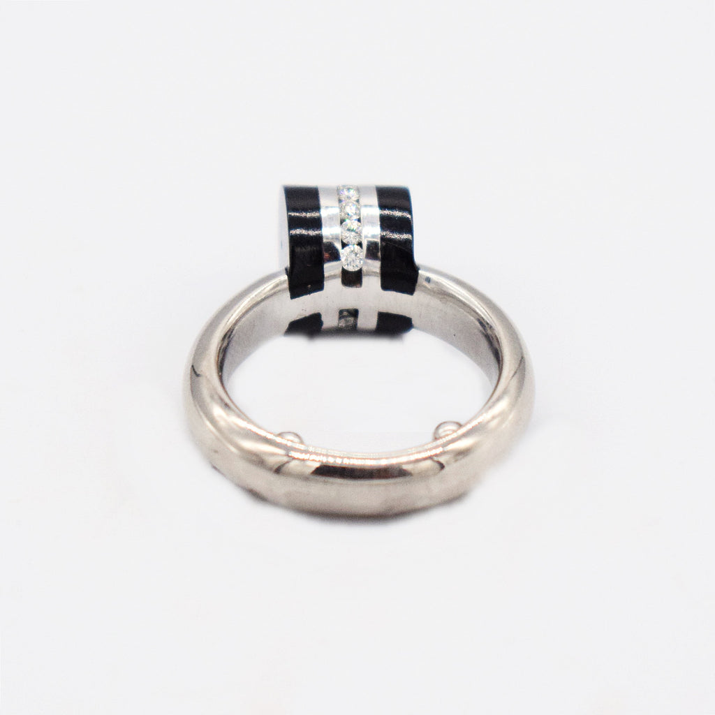 18k WG Modern Style Diamond 0.14 tcw & Black Onyx Barrel Ring Size 4.25