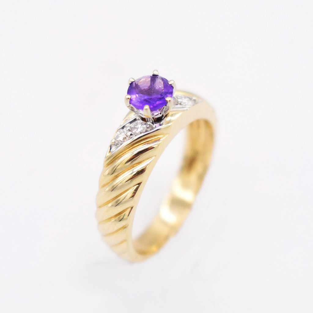 14k YG Estate Swirl Amethyst & Diamond 0.04 tcw Ring Size 6.5