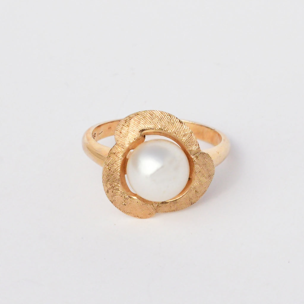 14k Yellow Gold Vintage 7.5 mm Pearl Nature/Organic Ring Size 5.5