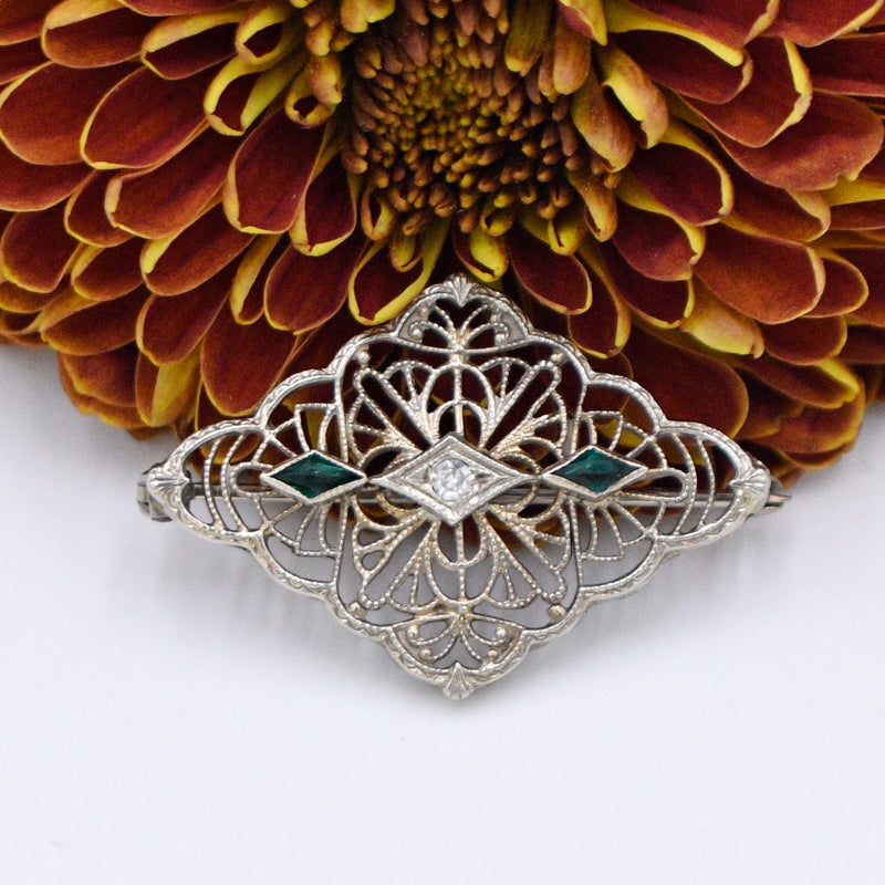 10k White Gold Antique Filigree Diamond & Emerald Pin/Brooch