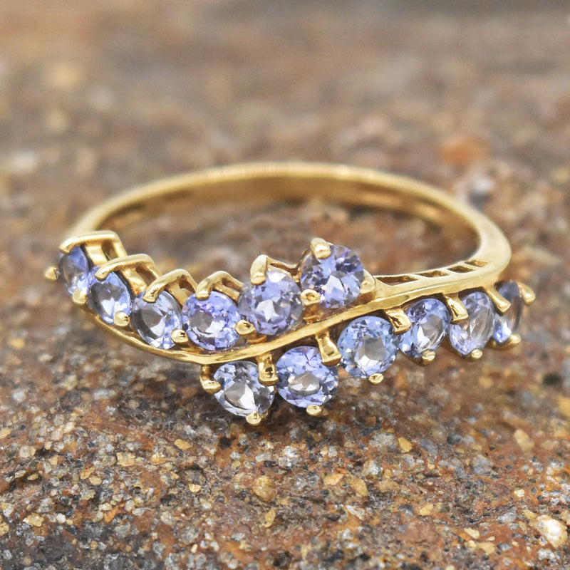 10k Yellow Gold Estate Swirl Tanzanite Band/Ring Size 9.25